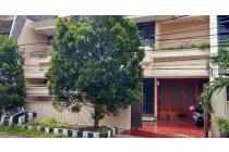 Rumah aman strategis di Dharmahusada Permai, Surabaya