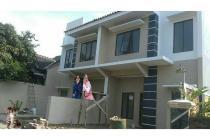 Dijual rumah mewah 2 lantai di tengah kota cianjur