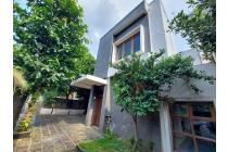 Rumah Modern Minimalis dengan Private Pool dan Roof Top di Kebayoran Baru