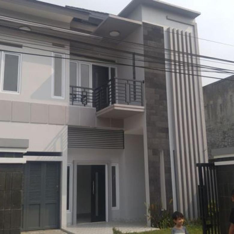 Dijual Rumah Baru Nyaman Rapi di Jl. Cisitu Indah, Bandung