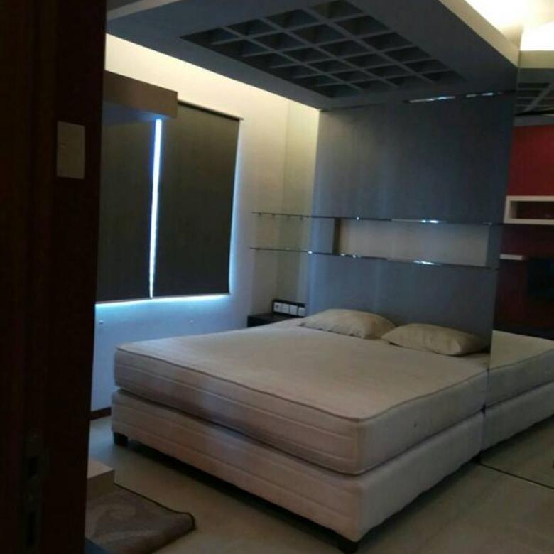 Jual Apartemen Thamrin Residences 3BR Full Furnished Lantai Sedang