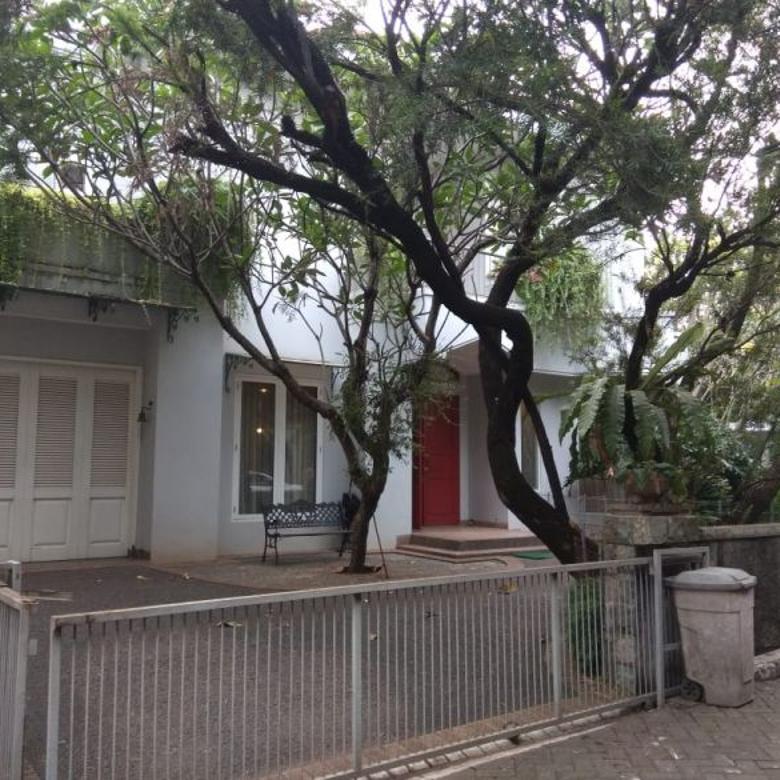 Rumah Hook Cilandak dekat exit tol desari dan MRT Fatmawati
