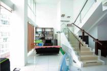 Cosmopolitan tower Kemang Village Apartement Unit Loft Jakarta Selatan