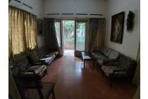 Rumah Tua Sayap Supratman  , Strategis