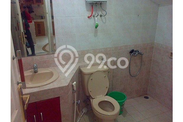 kamar mandi luar  6743914