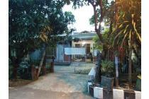 Dijual Rumah 2 lantai di Perum Kebraon Praja Barat Surabaya.