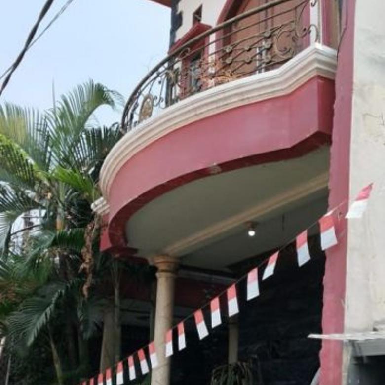 Rumah dijual DENGAN AKSES jalan banyak di pondok bambu