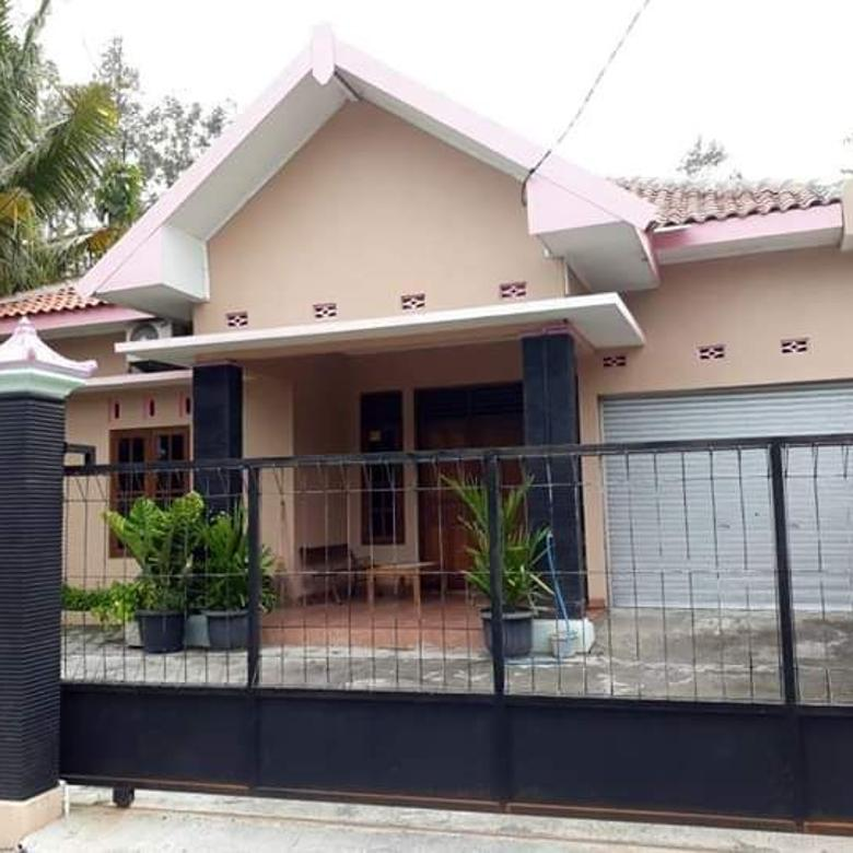 Rumah Luas dekat Jalan Raya Berbah Kalasan