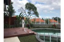 Di jual villa modern clasic lokasi canggu brawa dengan view sawah