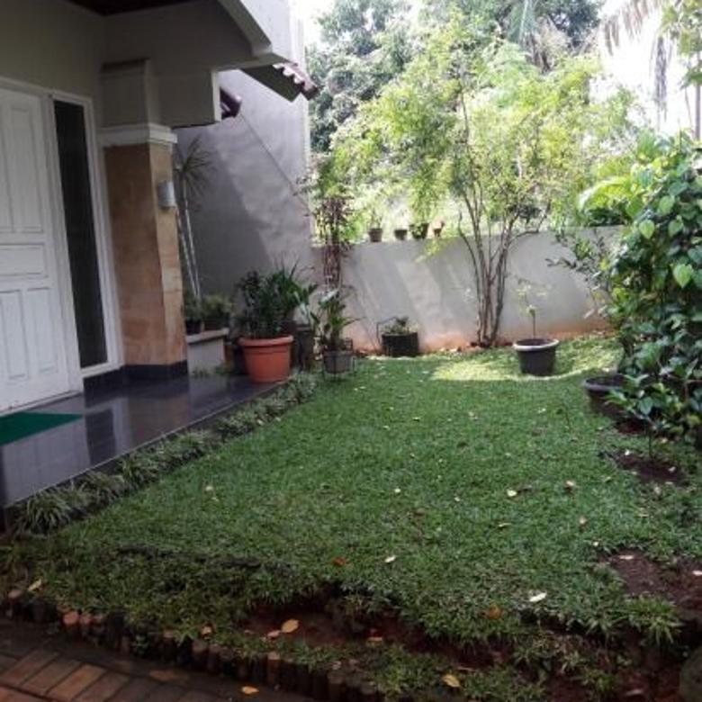 Dijua Rumah Siap Huni dalam Komplek Lebak Bulus Jakarta