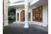 Dijual Rumah Strategis dan Siap Huni di Ampera Jakarta Selatan