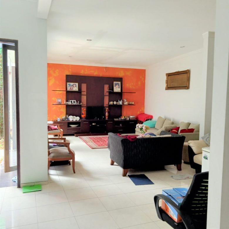 Hot Sale! Rumah lokasi bagus di Jl Pisok Bintaro Sektor 5