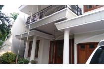 Disewakan Rumah 2 Lantai Pondok Indah Jakarta Selatan