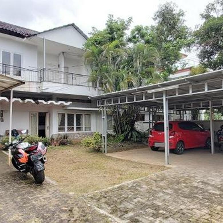 Rumah di Lebak Bulus Raya, Jakarta Selatan, Hadap Timur, SHM, Luas Tanah 512 m2