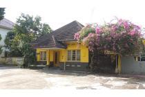 Villa di Jalan Cut Nyak Dhien ( Dekat Imam Bonjol )