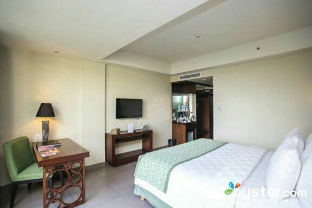 Dijual hotel bintang 4 di jln raya sunset road kuta bali 11975969