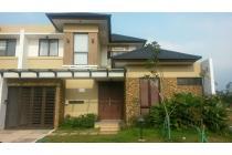 Disewakan Rumah Bagus Full Furnished BSD Tangerang.