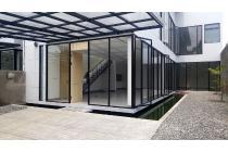 Rumah Petukangan Glass Tropical Jakarta
