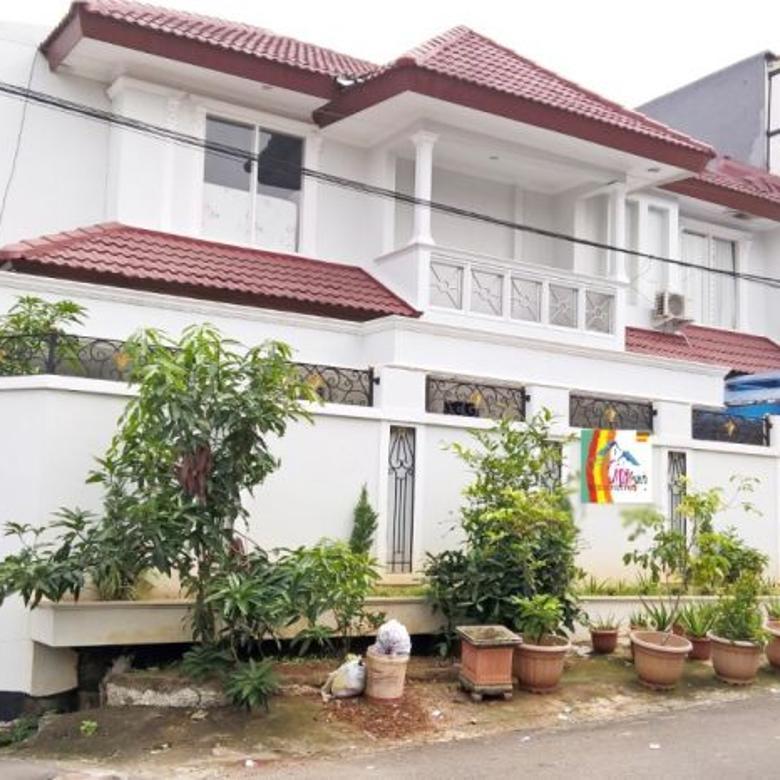 RUMAH DI PONDOK KELAPA ( JAKARTA TIMUR )