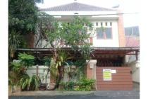 Dijual Rumah Luas Strategis di Taman Aries Jakarta Barat