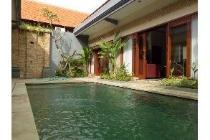 villa for rent in sanur.