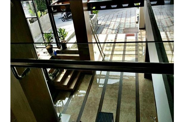 hotel megah istimewa di jln petitenget kuta badung 9556544