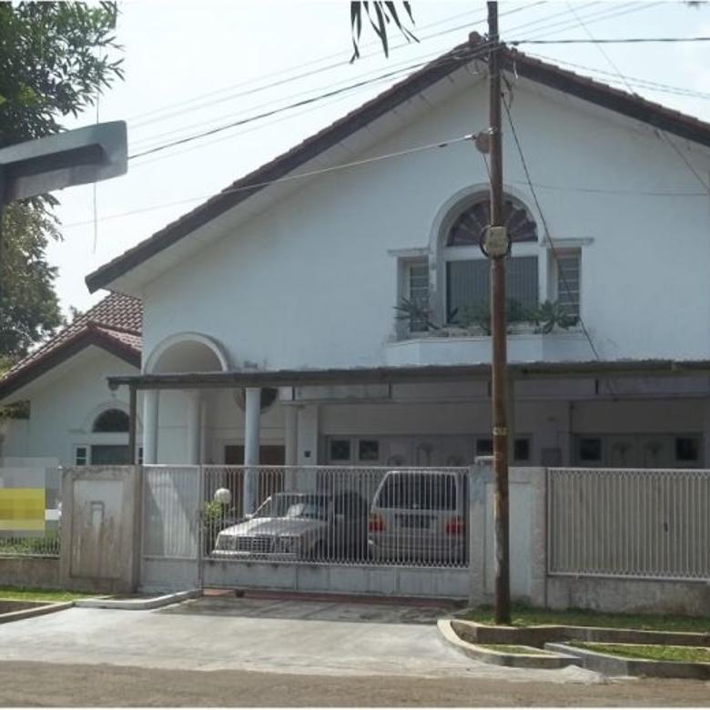 Rumah mewah dan luas di Villa Duta