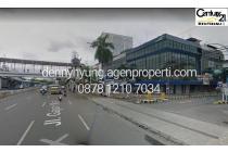 Gedung 4,5 lantai di kompleks Duta Merlin menghadap Jl Gajah Mada