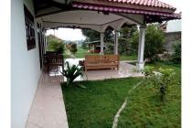 Dijual Villa Luas dan Strategis di Caringin Bogor