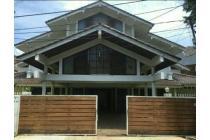 Rumah mewah ex artis, terawat & asri