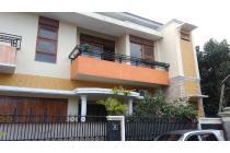 dan rumah Induk dekat kampus UGM Yogyakarta