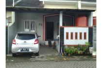Rumah siap huni dengan lokasi strategis