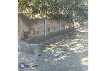 Tanah pinggir jalan di Selong belanak Lombok tengah T333