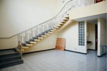 rumah lama lt/lb 250m2/ 274 m2 deket airport deket bubur laota