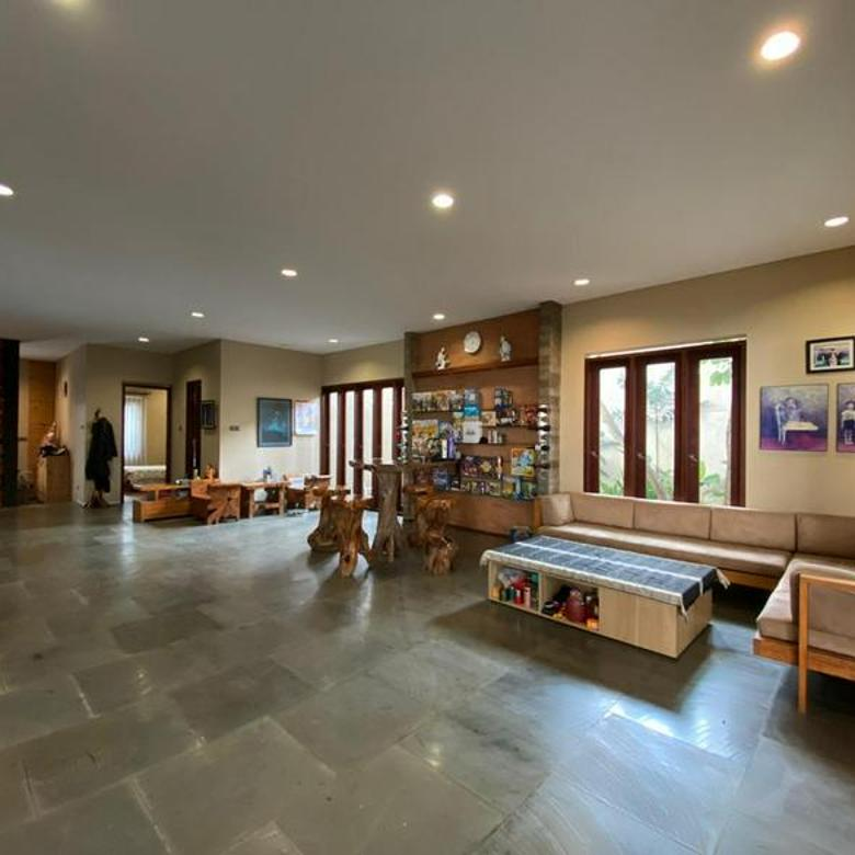 Rumah nyaman lokasi Setiabudi Bandung Aman dan Strategis