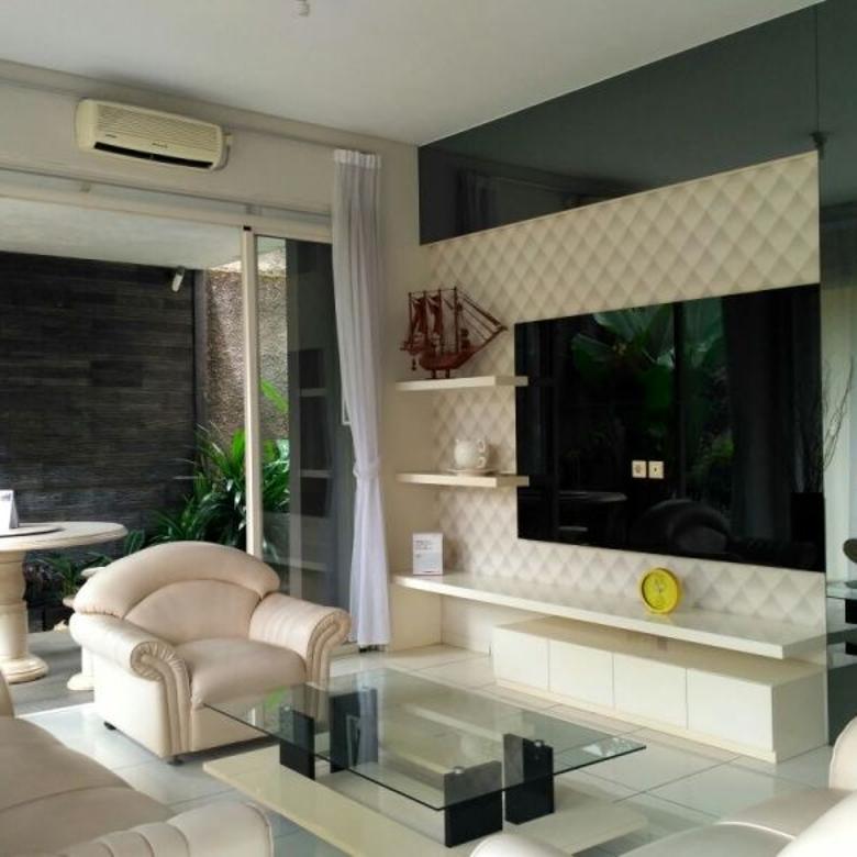Dijual Rumah Bagus Minimalis di Kota Baru Parahyangan Bandung