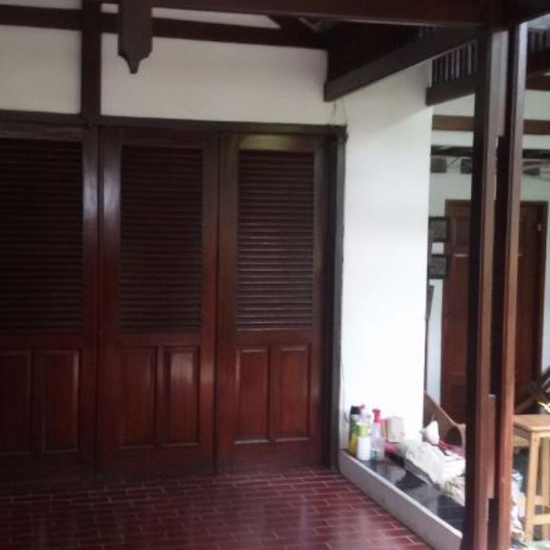 Rumah Nyaman, Interior Klasik, Siap Huni di Blok S, Kebayoran
