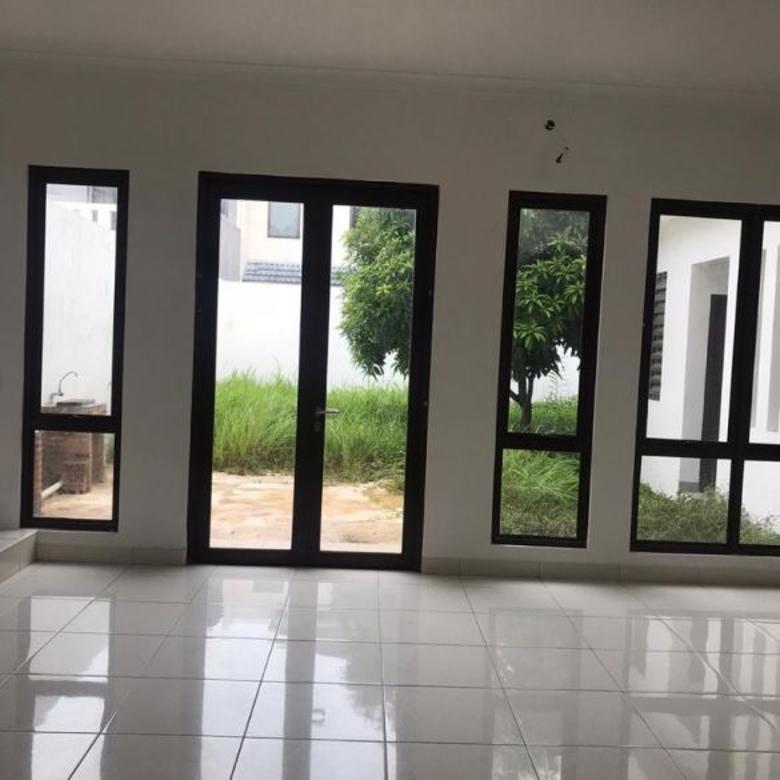 Rumah 4 kamar 2 lantai puspita loka bsd serpong bangunan baru