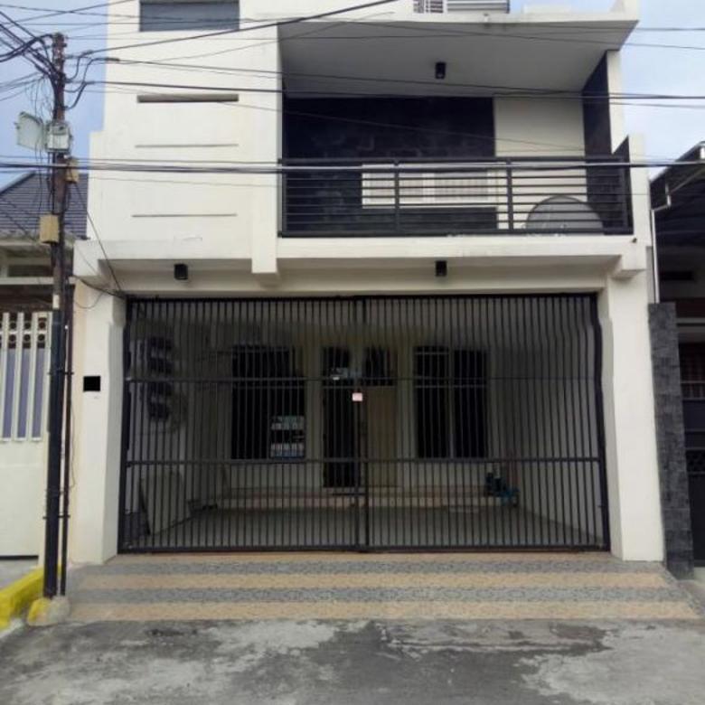 Dijual Rumah Kost Nyaman Minimalis di Darmo Permai, Surabaya