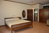 Rumak kayu Klasik, Gedung Pondok Indah
