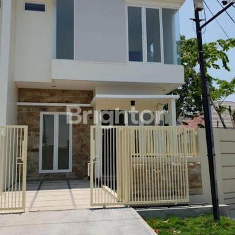 Rumah 2 lantai di Babatan pantai Baru Gress bergaya minimalis