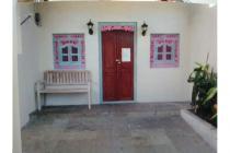 Rumah studio  1 kamar tidur full furnished di Jalan Gunung Salak, Kerobokan