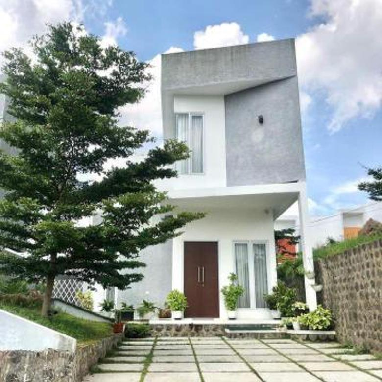 Rumah Cantik Jatinangor Dengan Tanah Yang Luas Di Cluster Yang Mewah