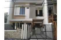 Rumah BARU MINIMALIS di Manyar Tirtoyoso