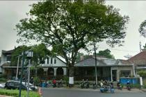 Rumah/Cafe Taman Cempaka - Sayap Riau, RE Martadinata, Bandung