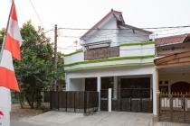 Di jual rumah 2 lantai di Pondok Kelapa. Jakarta Timur.