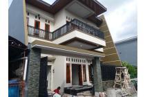 Rumah Mewah Baru 2 Lantai Tengah Kota Solo