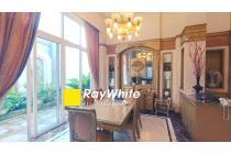 Rumah eksklusif bergaya klasik di Bukit Gading Villa Kelapa Gading 420 m2