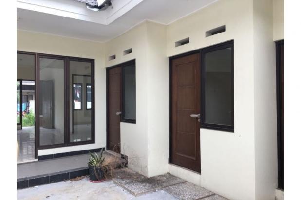 Di Jual Rumah di aralia 2 lantai Harapan Indah, Bekasi Barat 12900755