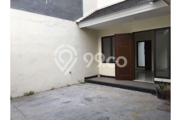 Di Jual Rumah di aralia 2 lantai Harapan Indah, Bekasi Barat 12900757
